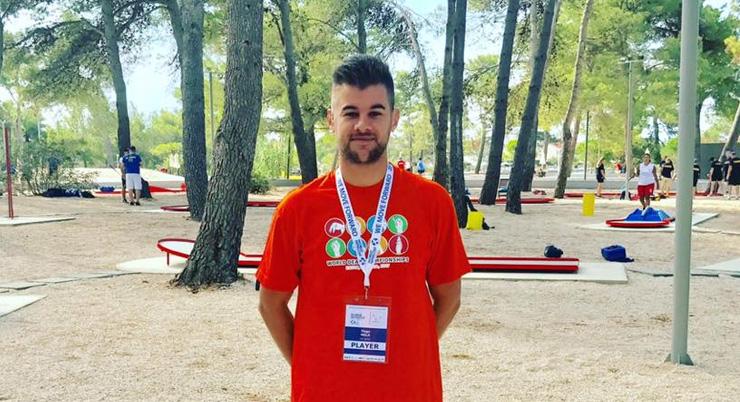 Tiago Melo conquista medalha histórica para o minigolfe português