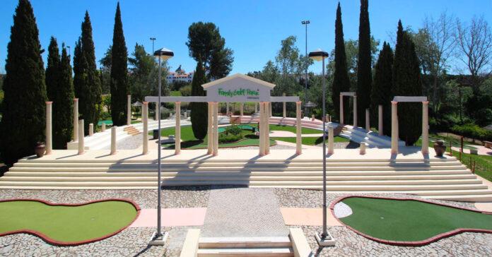Family-Golf-Park-emprego